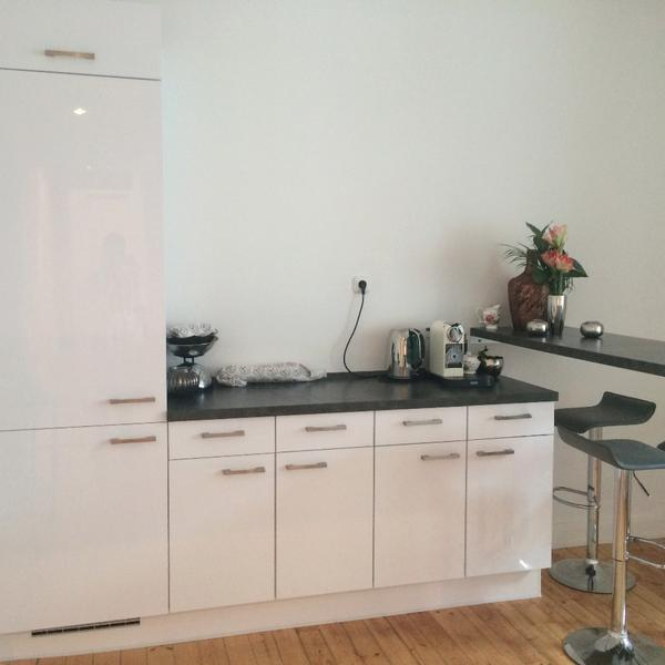 k chen h ngeschrank glas nobilia. Black Bedroom Furniture Sets. Home Design Ideas