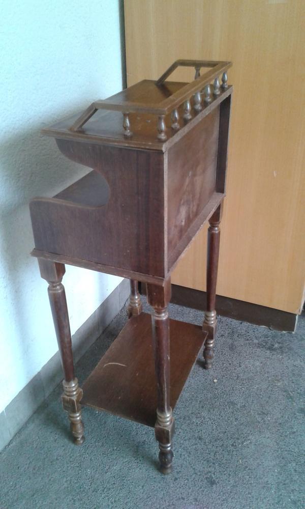 nostalgisches telefontischchen antiker beistelltisch echt alt in stuttgart sonstige m bel. Black Bedroom Furniture Sets. Home Design Ideas