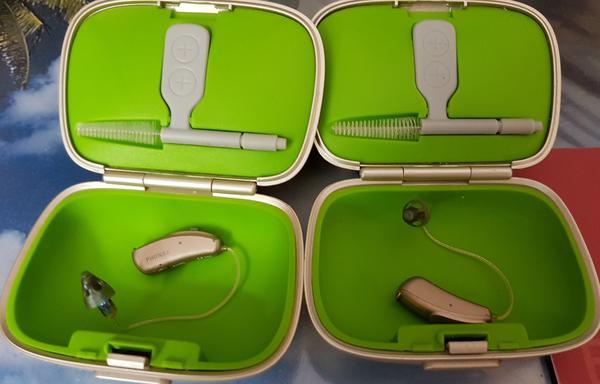 Phonak Audéo V50 312 - München Au-haidhausen - Phonak Audéo V50 312 zu verkaufen. Selten genutzt und daher neuwertig. Geräte wurde von Akustiker gereinigt und auf aktuelle VK von 2000 EUR für beide Geräte geschätzt. Modell ist aus Ende 2014 - neu VK lag bei EUR 6000 für  - München Au-haidhausen