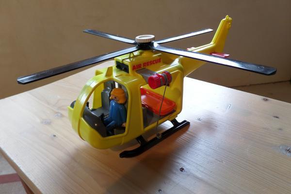 Playmobil Hubschrauber mit Seilwinde - Heilbronn Neckargartach - Playmobil Hubschrauber mit Seilwinde, Rettungstrage und Figur - Heilbronn Neckargartach
