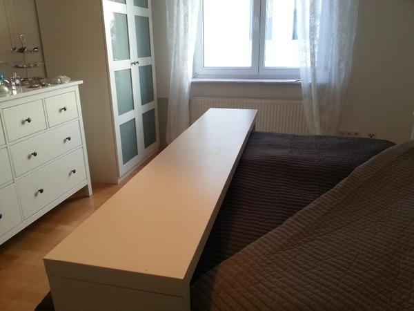 fruhstuck bett tisch ikea tisch uber dem bett verschiedene ideen f r die. Black Bedroom Furniture Sets. Home Design Ideas