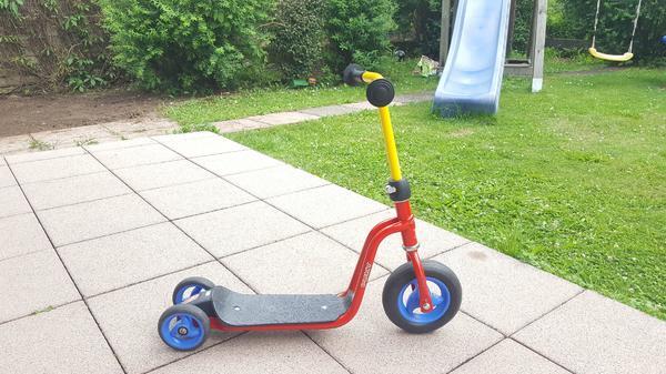 Pucky Roller R1 - Florstadt - Pucky Roller R1, gebraucht, guter Zustand, Farbe: Rot-Gelb. - Florstadt