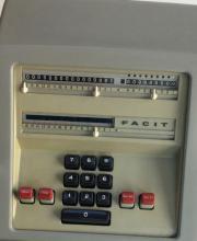 Rarität FACIT Rechenmaschine CA2-16 in