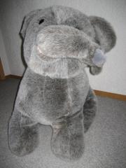 Riesiger Plüschelefant Elefant