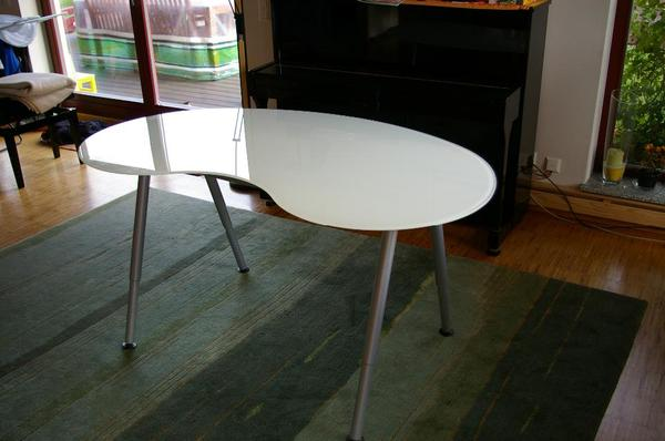 Ikea Glas Schreibtisch 2021