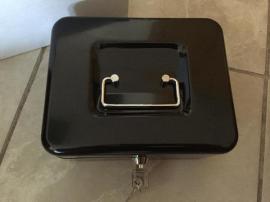 Türen, Zargen, Tore, Alarmanlagen - schwarze Geldkassette Gr 2 unbenutz