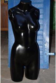 Schwarze Schaufensterpuppe, Torso