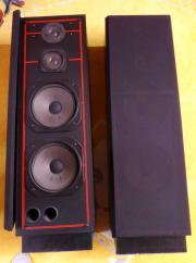 schwarze Stand Lautsprecher