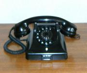 Schwarzes Uralt-Telefon