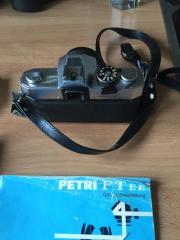 Spiegelreflexkamera Petri FTE mit Beschreibung