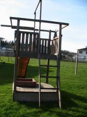 Spielturm für Rutsche