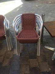 Stühle + Tische