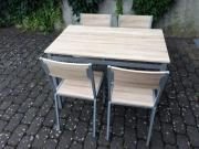 Tisch und 4