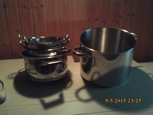 Töpfe Geschirr Gläser aus Gastronomie