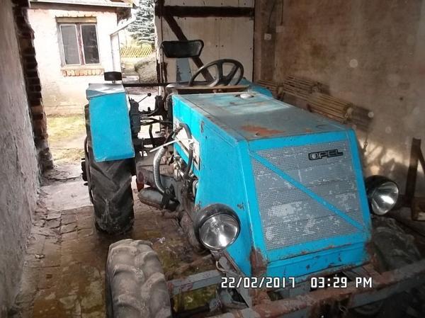 traktor marke eigenbau in retschow traktoren. Black Bedroom Furniture Sets. Home Design Ideas