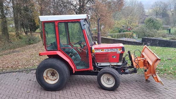 traktor winterdienst shibaura s325 schneeschild. Black Bedroom Furniture Sets. Home Design Ideas