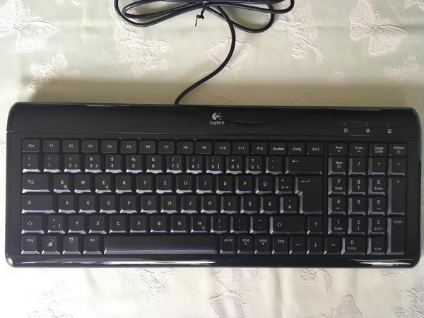Ultra-Flat Keyboard von Logitech - München Pasing-obermenzing - Ultra-Flat Keyboard von Logitech, schwarz, gebraucht.Nur Abholung! - München Pasing-obermenzing