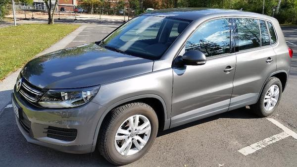 volkswagen tiguan tsi b motion technology 122 ps bj 02 2014 nur km in n rnberg vw. Black Bedroom Furniture Sets. Home Design Ideas