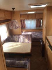 Wohnwagen mit Etagenbett