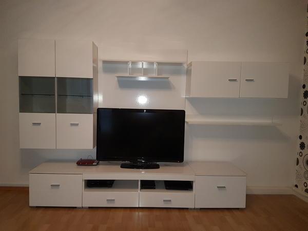wohnwand in hochglanz ankauf und verkauf anzeigen billiger preis. Black Bedroom Furniture Sets. Home Design Ideas